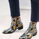 Ботинки - казаки, натуральная кожа, золотистая рептилия