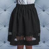 Стильная юбка для девочки с гипюром черная vsl-01618