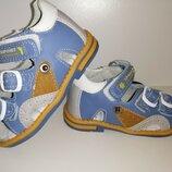 Новые сандали босоножки на мальчика 22 р 13,5-14 см