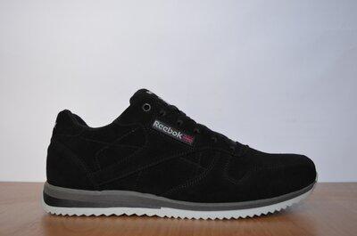 Кроссовки Reebok черные.
