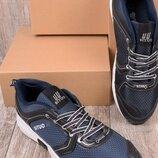 Мужские кроссовки на шнуровке
