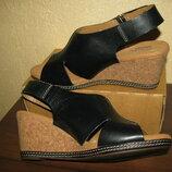 Босоножки сандалии брендові Clarks Оригінал Німеччина р.39,5 стелька 26 см