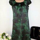 Брендовое черно-зеленое атласное вечернее нарядное миди платье esprit принт абстракция