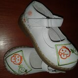Туфельки от B&G размер 24