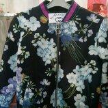 Куртка женская Gucci с ярким принтом, качество отличное