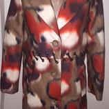 40р пальто Denny Rose состояние нового очень красивое в реале рукав от плеча 59 плечи 37 под подмы
