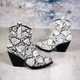Хит Женские ботинки казаки