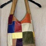 Яркая и вместительная сумочка