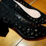 39 разм. Zara woman Замша. Шикарные туфли Длина по внутренней стельке - 25 см,