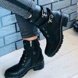 Демисезонные женские кожаные ботинки на небольшом каблуке Вт556238