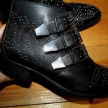 38 разм. Шикарные ботинки Bronx. Кожа. Оригинал Длина по внутренней стельке - 24,5 см,