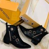 Женские кожаные ботинки Louis Vuitton