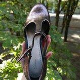 Привет новые, модные, фирменные оригинальные сандали, босоножки Clarks