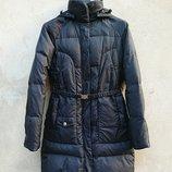 Пуховик женский, черная куртка United Colors of Benetton