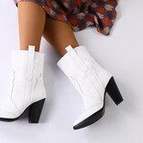 Демисезонные белые женские кожаные ботинки на каблуках Вт5592018Д