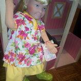 Озорная девченка Лола от Kathe Kruse , которая очень любить гулять по лужам