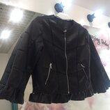 Красивая куртка- жакет в Черном цвете
