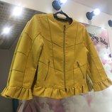 Красивая куртка- жакет в Желтом цвете