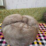 Женская зимняя шапка.