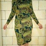 Стильное платье с длинным рукавом