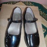Черные лаковые туфельки Cherokee р.30 ,стелька 19 см