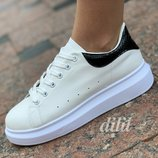 Женские кроссовки белые на платформе