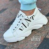 Кроссовки женские кожаные белые Valentino VLTN