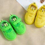 Стильные яркие кроссовочки