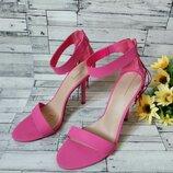 Босоножки женские ALDO розовые