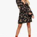 Коктейльное платье в цветочном принте с вырезом по спинке и рукавах boohoo