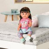 Кукла Zapf Baby Born 827185 Нежные объятия Стильная сестренка с аксессуарами 43 см