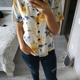 Новая актуальная блуза рубашка в тропический принт