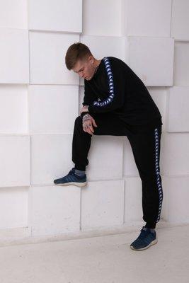Штаны утеплённые чёрные с сине-белыми лампасами Kappa, на флисе