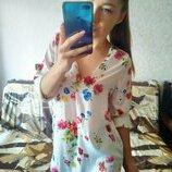 Шикарная блузка в цветы с красивой спинкой