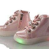 Светящиеся демисезонные ботиночки на девочку осенние ботинки для девочки мигающие для дівчаток гарні