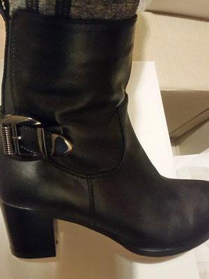 Демисезонные кожаные сапоги ботинки