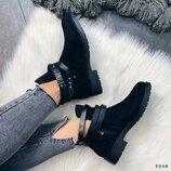 Женские замшевые ботинки ремешки