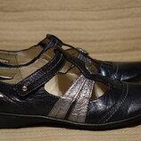 Комбинированные черно-серебристые кожаные туфли Pediconfort Англия 35 р.
