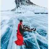 Картина по номерам. Brushme Красный шарф на льдине байкала GX26284. Brushme Брашми