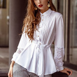 Расклешенная белая блуза