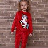Модный велюровый костюм для девочки