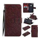 Кожаный чехол-книжка трансформер коричневого цвета с узорами для nokia 630