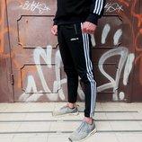 Теплые спортивные штаны в стиле Adidas Thre line черные