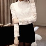 Крутая кружевная белая блуза