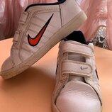 Кожаные кроссовки Nike original 30 p.