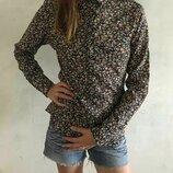 Шикарная рубашка в цветы размер 42