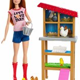Кукла Барби куриная ферма Barbie Chicken Farmer Doll & Playset Фермер