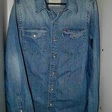Продам джинсовую рубашку бренд Hollister размер L синяя унисекс