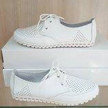 Кожаные женские туфли мокасины с перфорацией на шнурках белые натуральная кожа