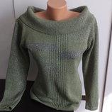 симпатичный свитер с люрексом с открытыми плечами р. 46-48